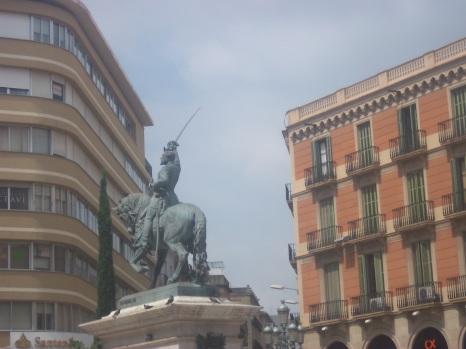 Monument dédié à Juan Prim.